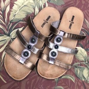 MINNETONKA Slide Sandals - Size 9